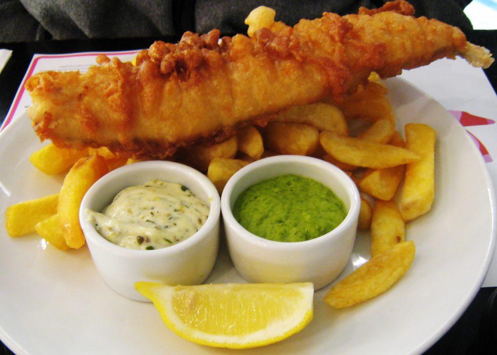 fish and chips, pescado con patatas
