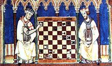 Cavalieri templari giocano scacchi